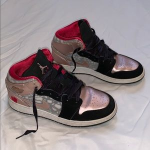 Nike Girls' Air Jordan 1 Mid Shoes
